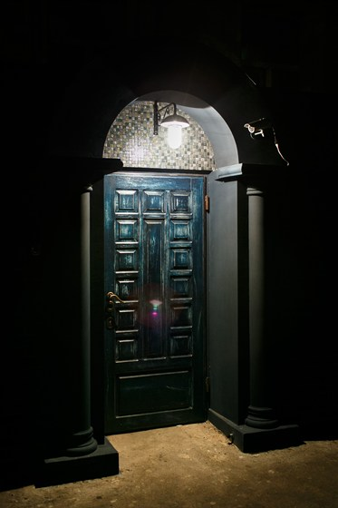 Ресторан Whisky Rooms - фотография 1 - вход