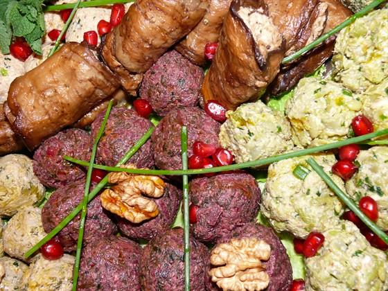 Ресторан Сулико на Патриарших - фотография 12 - Пхали ассорти , баклажановые роллы