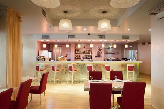 Ресторан Ардженто - фотография 5 - Кафе Ардженто Барная стойка
