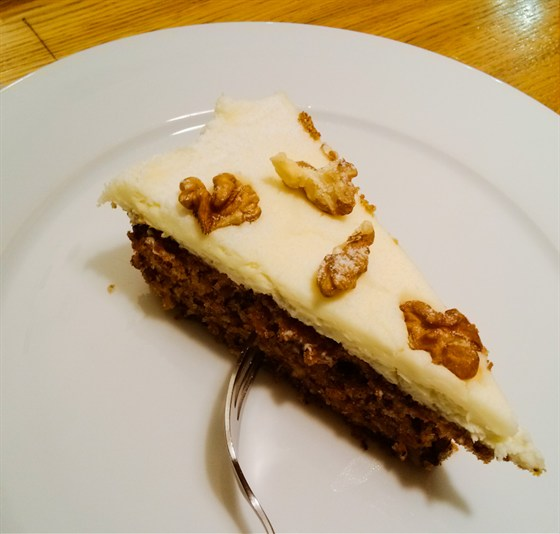 Ресторан Correa's - фотография 19 - Морковный торт неплох.