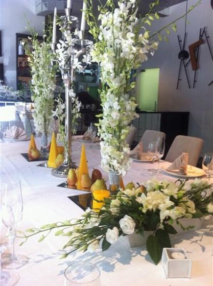 Ресторан Груша - фотография 17 - Идеи флористов использовать Грушу в качестве декора :)