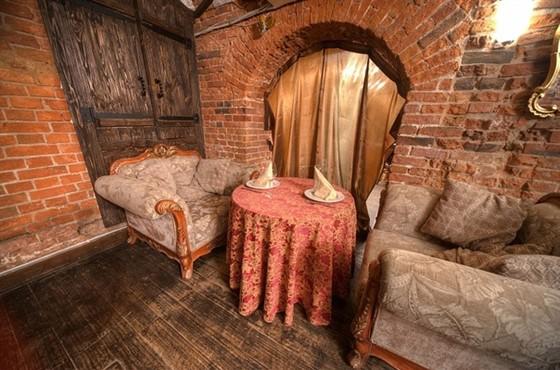 Ресторан Rosie O - фотография 10 - Ну разве вам не хочется присесть в эти кресла, вкусно покушать и попить ирландского пива?