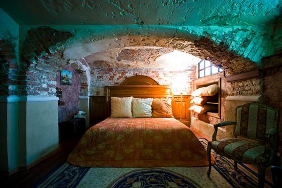 Ресторан Русский ампир - фотография 11 - Апартаменты: самый маленький дворцовый отель в мире