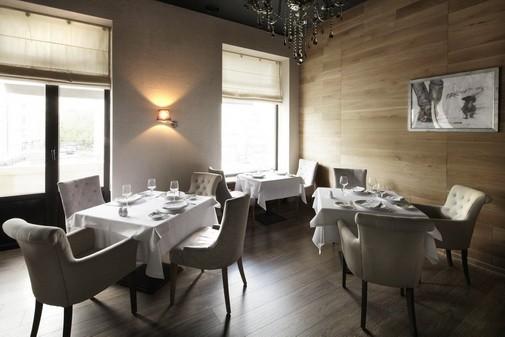 Ресторан In Vino - фотография 15 - Второй этаж (вид 1)