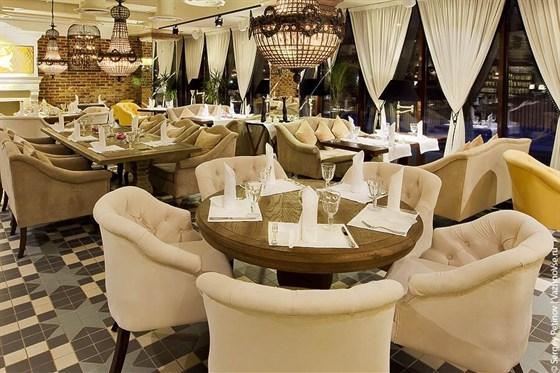 Ресторан Вега - фотография 9 - Ресторан ГУСИ-ЛЕБЕДИ