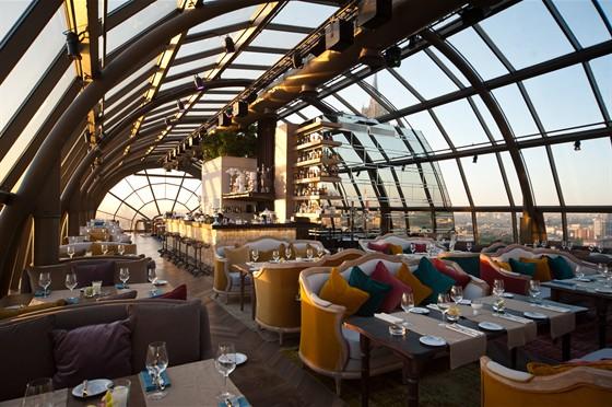 Ресторан White Rabbit - фотография 9 - 2 этаж