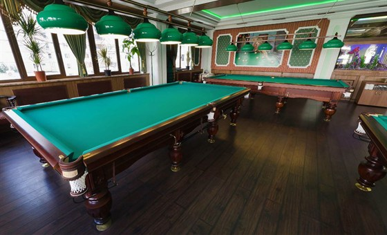 Ресторан Грин-палас - фотография 4 - Бильярдная, 5 столов.