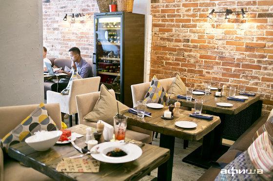Ресторан Пять два - фотография 6