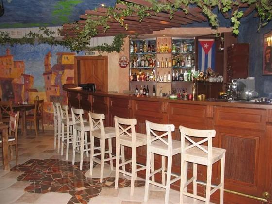 Ресторан Карибо - фотография 4 - Барная стойка