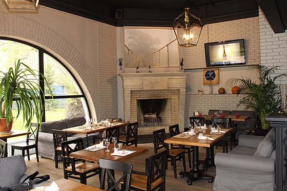 Ресторан Парк-кафе - фотография 1 - каминный зал