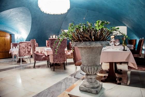 Ресторан Братья Третьяковы - фотография 5 - Зал для торжеств с выходом в Третьяковскую Галерею.