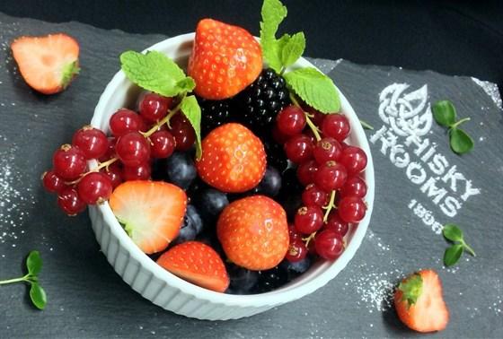 Ресторан Whisky Rooms - фотография 30 - свежие лесные ягоды