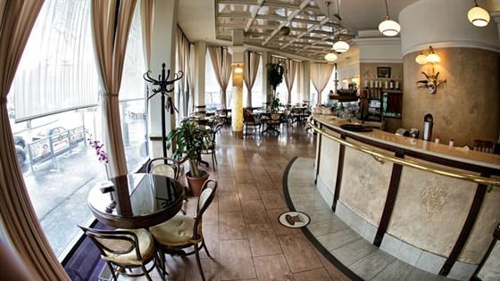Ресторан Шантиль - фотография 5 - кофейня