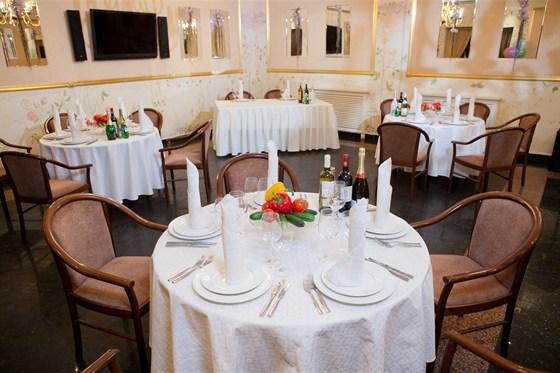 Ресторан Валимар - фотография 8 - Золотой зал