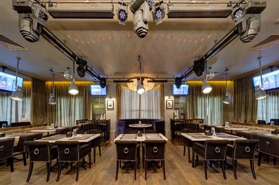 Ресторан Bar-in - фотография 8 - Основной зал BAR-IN