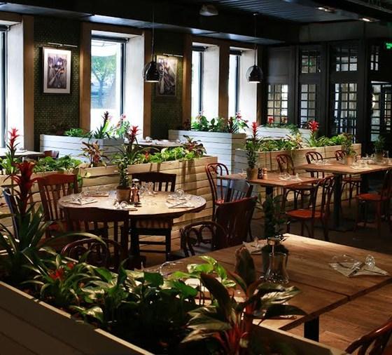 Ресторан Food & Wine - фотография 10