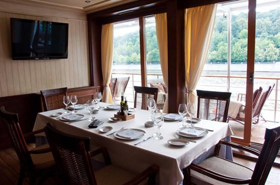 Ресторан Ласточка - фотография 1