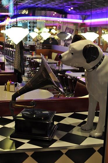 Ресторан Beverly Hills Diner - фотография 7