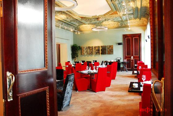 Ресторан Маруся - фотография 19