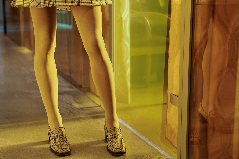 Юбка Delpozo, 69950 р.,  туфли — собственность модели