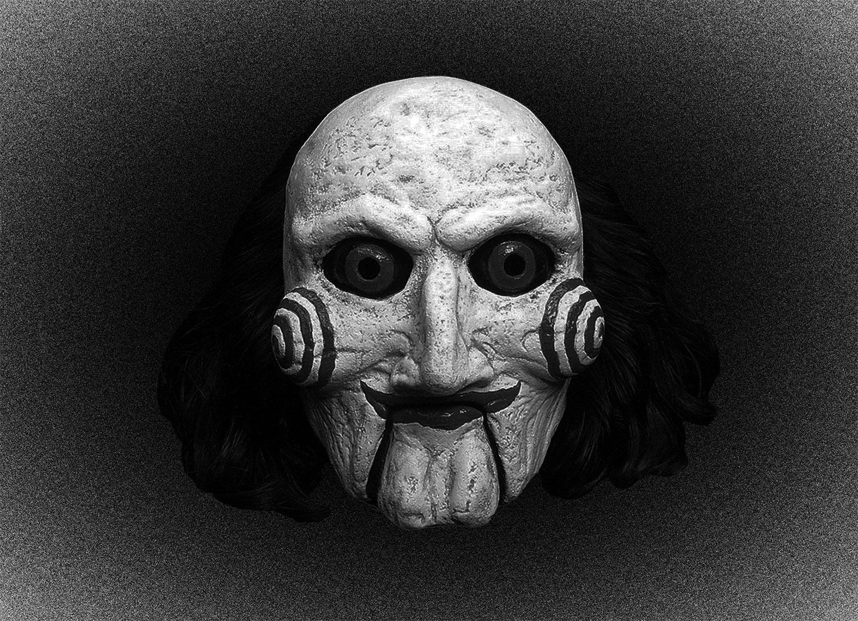 Маска Билли из фильма «Пила» (2004) Джеймса Вана. Технически не маска, так как в хорроре Билли является куклой