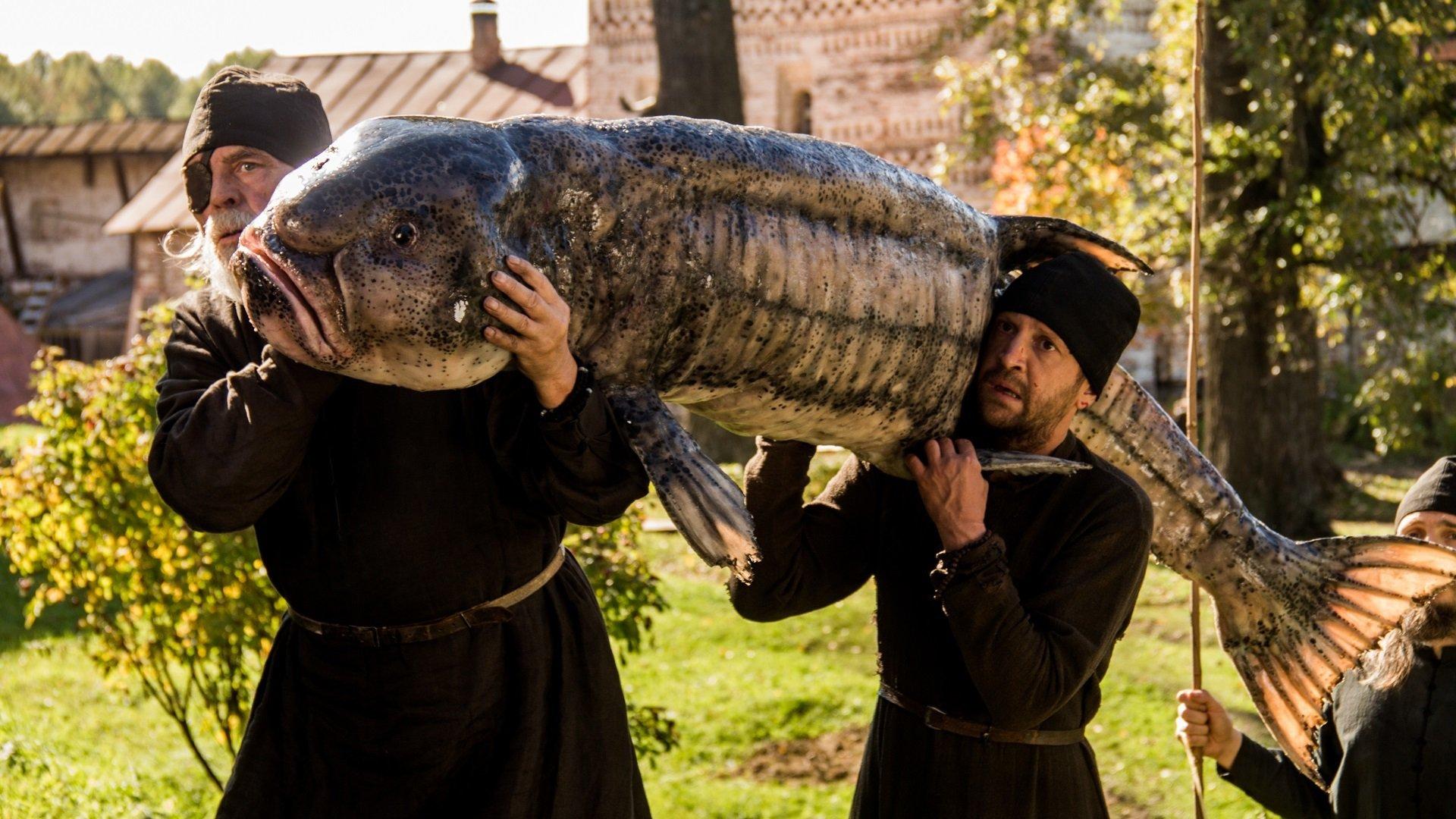 Монах и бес смотреть фото