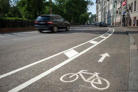 Первый готовый участок велосипедной полосы