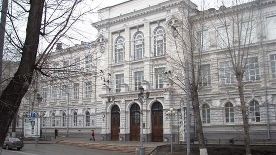 Белый зал Политехнического университета Петра Великого