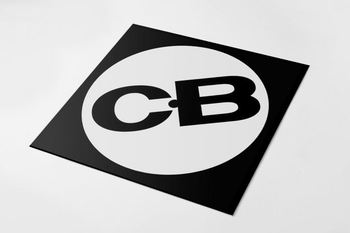 Очень виниловый логотип Capital Bass