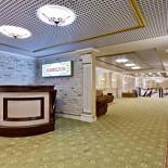 Ресторан Подполиум  - фотография 3 - Ресепшн, зона Welcome ресторана на цокольном этаже