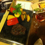 Ресторан Малиновка - фотография 2 - Стейк, но я его не ела.....