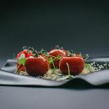 Ресторан Брют - фотография 1 - Паштет из куриной печени со сладким вяленым томатом и кедровыми орехами
