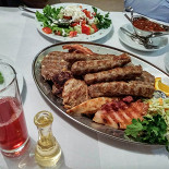 Ресторан Сербская таверна - фотография 2