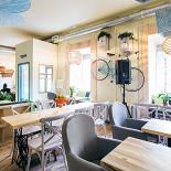 Ресторан Укроп - фотография 2 - Зал с качелями!)