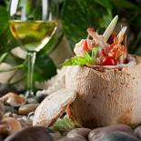 Ресторан La Marée - фотография 5 - Тайским суп с морепродуктами и соком кокоса
