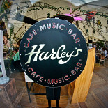Ресторан Harley's - фотография 1