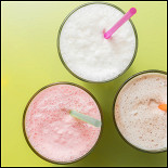 Ресторан Главпирог - фотография 4 - Молочные коктейли - клубника, ваниль, шоколад.
