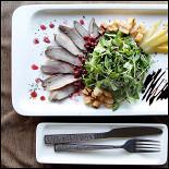 Ресторан Непоследние деньги - фотография 4 - Салат с утиной грудкой.