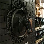 Ресторан Винарт - фотография 2 - Винотека ВиаАрт