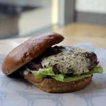 Ресторан BB & Burgers - фотография 4 - Бургер Сосо