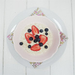 Ресторан Teabakery - фотография 2 - Овсяная каша с ягодами