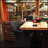 Ресторан Maki Maki - фотография 2 - Уютное летнее кафе на Садовом Кольце
