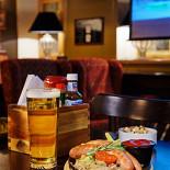 Ресторан 8th Line Pub - фотография 2 - Настоящая кухня в стиле pub