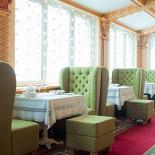 Ресторан Русский дворик - фотография 2 - Веранда с видом на Троицкую Лавру