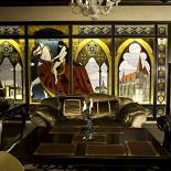 Ресторан Visconti - фотография 6 - Витражи ручной работы в ресторане «Висконти».