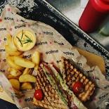 Ресторан Eatme - фотография 1