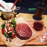 Ресторан Мясник и Зина - фотография 1