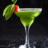 """Ресторан Держись - фотография 1 - Авторский коктейль барменов """"Держись!"""" Бодрый базилио."""