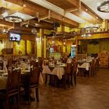 Ресторан Шарманка - фотография 2 - Главный зал