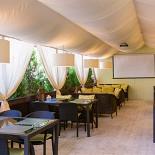 Ресторан Пив & Ко - фотография 1 - Летняя веранда.